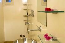 Light and bright bathroom